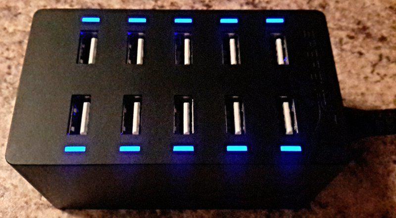 Blue lights illuminate to indicating properly working ports.
