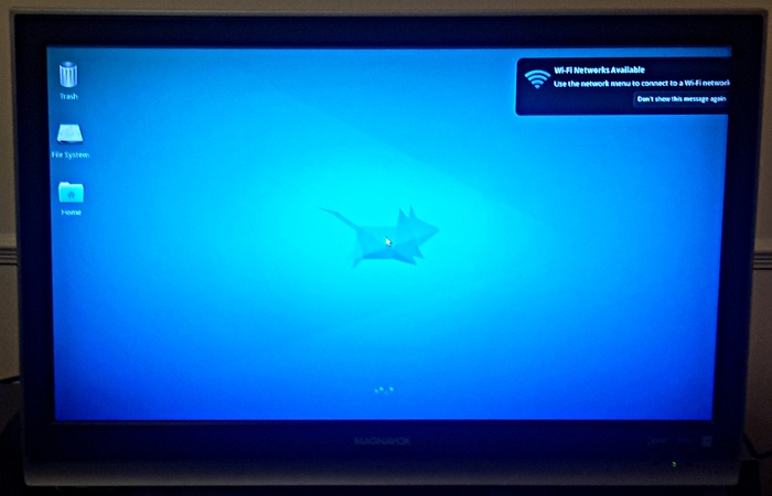 Xubuntu default desktop on MediaBox 5440.