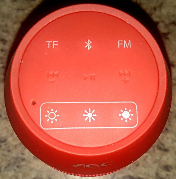 Andoer Bluetooth speaker push navigation buttons.