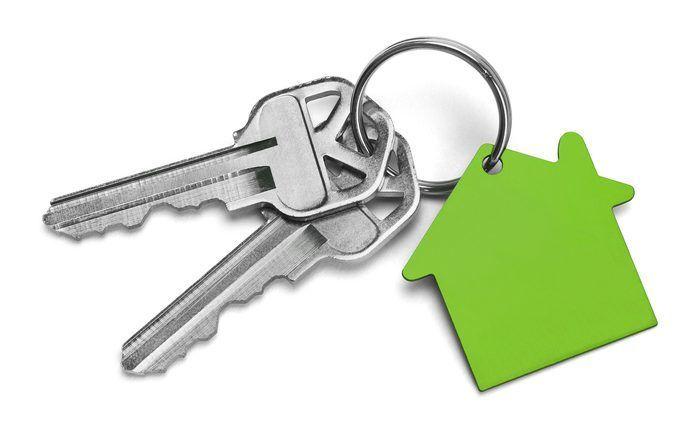 Protect-Your-Home-take-house-keys