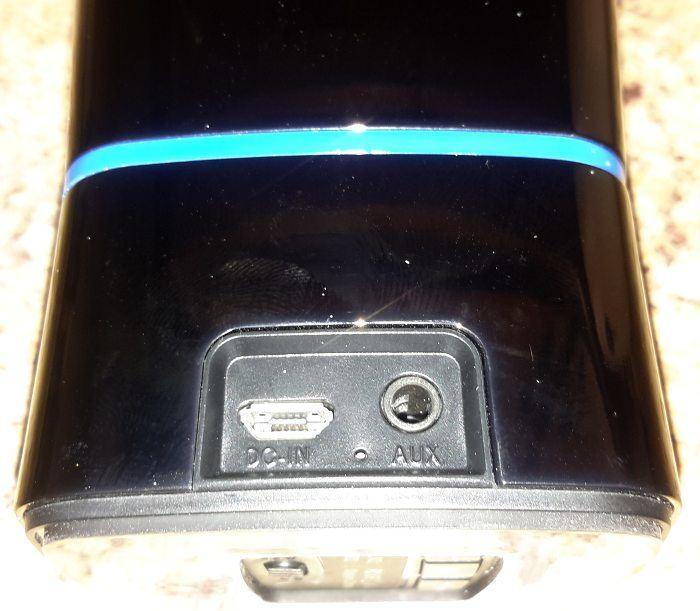 iclever-mini-bt-speaker-back