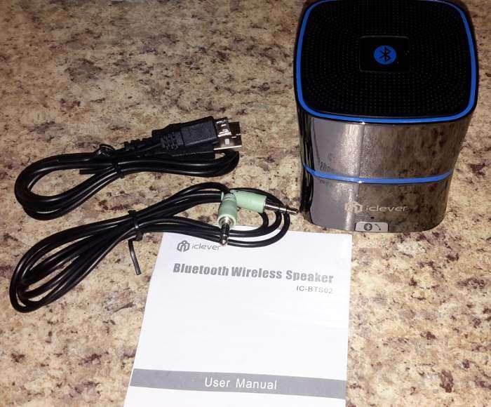 iclever-mini-bt-speaker-inside-box