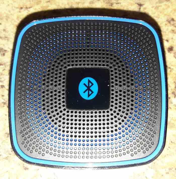 iclever-mini-bt-speaker-top
