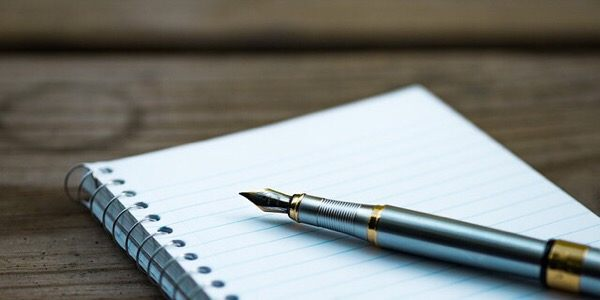 writers-opinion-old-tech-pen-paper
