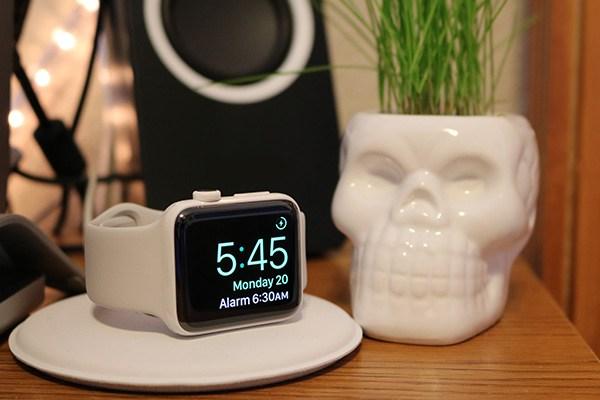 alarm-apple-wacth-nightstand