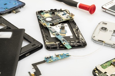 smartphone-charge-inside