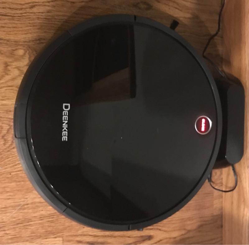 deenkee-robot-vacuum-charging