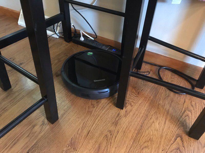 deenkee-robot-vacuum-table-legs