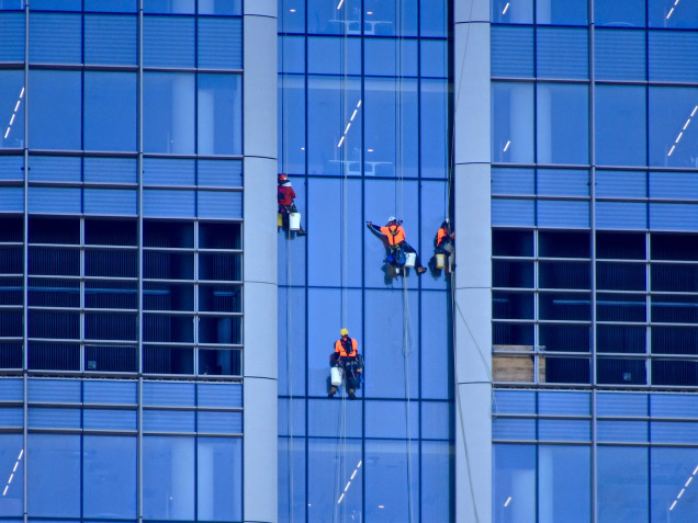 drones-window-cleaning